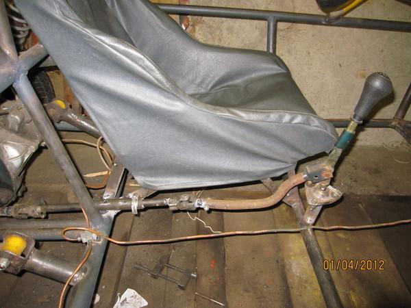 Установка кресла, привода КПП, тормозов и сцепления